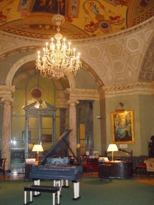 Rotunda_interior_steinway_hall_nyc_mia_laberge_art_case_piano