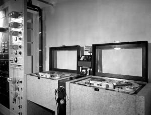 Tonbandgeräte in RRG Berlin ca. 1944